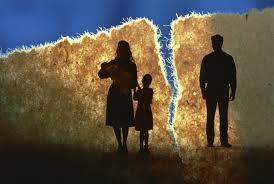 s-kem-ostaetsya-rebenok-posle-razvoda-roditelej